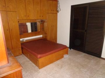 Alugar Apartamento / Padrão em Botucatu R$ 2.000,00 - Foto 17