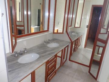 Alugar Apartamento / Padrão em Botucatu R$ 2.000,00 - Foto 19