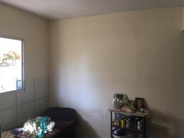 Alugar Casa / Padrão em Botucatu. apenas R$ 140.000,00