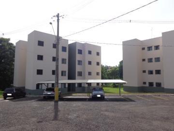 Alugar Apartamento / Padrão em Botucatu. apenas R$ 100.000,00