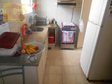 Alugar Apartamento / Padrão em Santos. apenas R$ 240.000,00