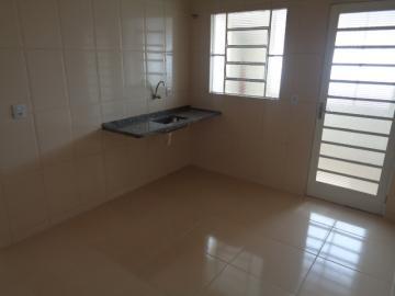 Comprar Apartamento / Padrão em Botucatu R$ 150.000,00 - Foto 4