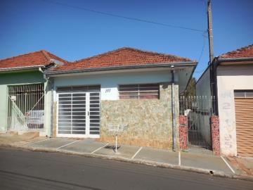 Alugar Casa / Padrão em Botucatu. apenas R$ 430.000,00