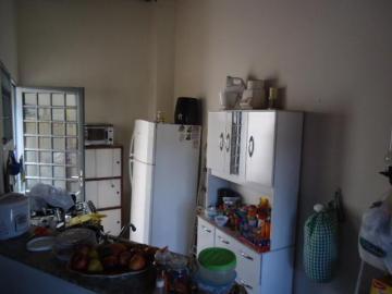 Comprar Comercial / Casa Comercial em Botucatu R$ 380.000,00 - Foto 1