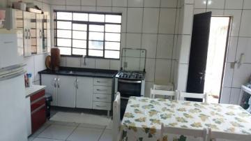 Alugar Casa / Padrão em Botucatu. apenas R$ 230.000,00