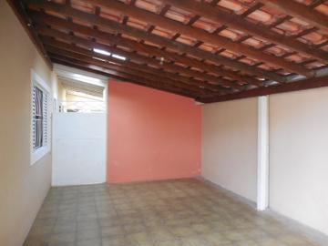 Alugar Casa / Padrão em Botucatu. apenas R$ 280.000,00