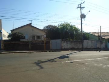 Alugar Casa / Padrão em Botucatu. apenas R$ 880.000,00