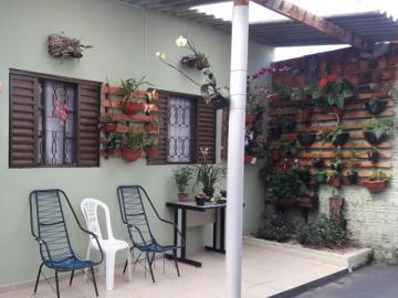 Alugar Casa / Padrão em Botucatu. apenas R$ 360.000,00