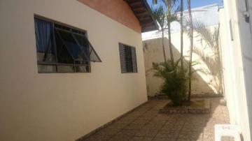 Alugar Casa / Padrão em Botucatu. apenas R$ 290.000,00