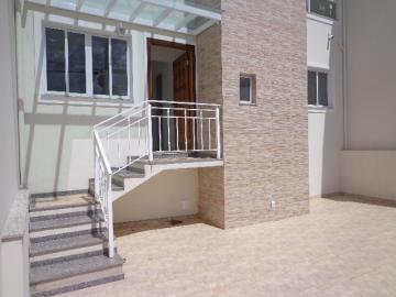 Alugar Casa / Padrão em Botucatu. apenas R$ 3.300,00