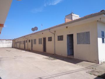 Alugar Apartamento / Kitchnet em Botucatu. apenas R$ 600,00
