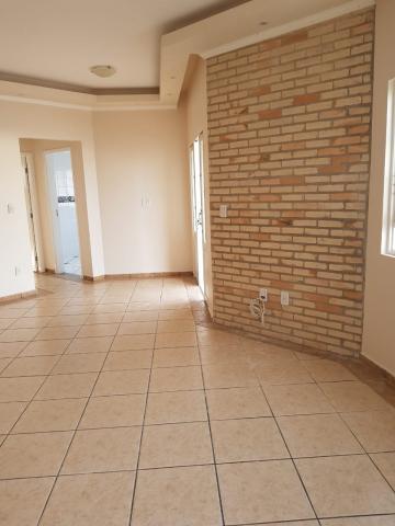 Alugar Casa / Sobrado em Botucatu. apenas R$ 370.000,00
