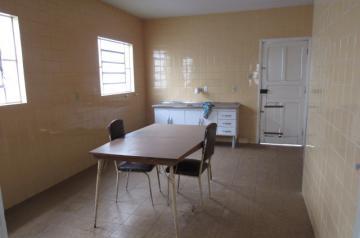 Alugar Casa / Padrão em Botucatu. apenas R$ 220.000,00