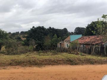 Alugar Terreno / Padrão em Botucatu. apenas R$ 50.000,00