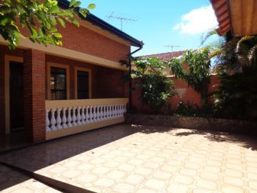 Alugar Casa / Padrão em Botucatu. apenas R$ 372.000,00