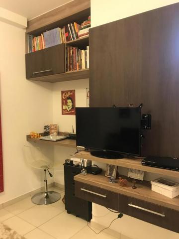 Comprar Apartamento / Padrão em Botucatu R$ 360.000,00 - Foto 2