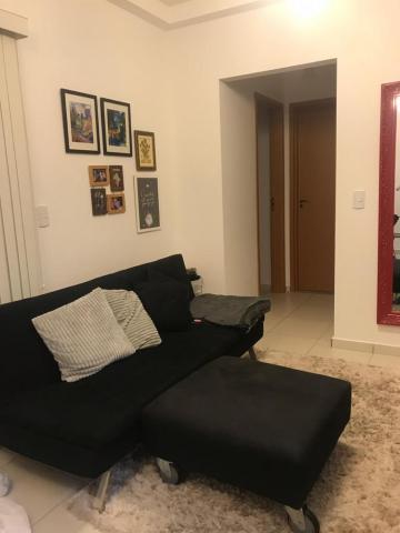 Comprar Apartamento / Padrão em Botucatu R$ 360.000,00 - Foto 3