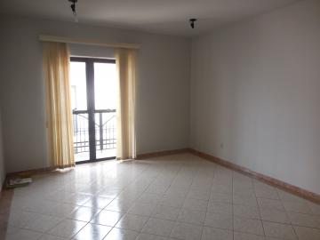 Alugar Apartamento / Padrão em Botucatu. apenas R$ 550,00