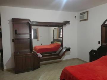 Comprar Casa / Padrão em Botucatu R$ 800.000,00 - Foto 6