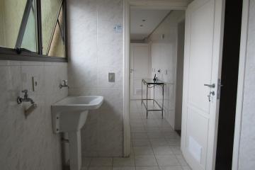 Alugar Apartamento / Mobiliado em Botucatu R$ 3.500,00 - Foto 16