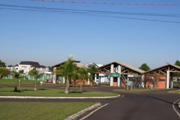 Terreno / Condomínio em Botucatu , Comprar por R$240.000,00