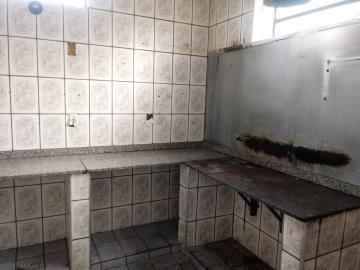Comprar Comercial / Casa Comercial em Botucatu R$ 250.000,00 - Foto 5