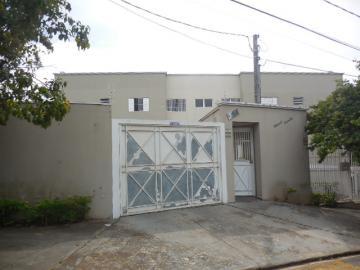 Apartamento / Padrão em Botucatu Alugar por R$790,00