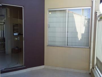 Comercial / Ponto Comercial em Botucatu Alugar por R$1.500,00
