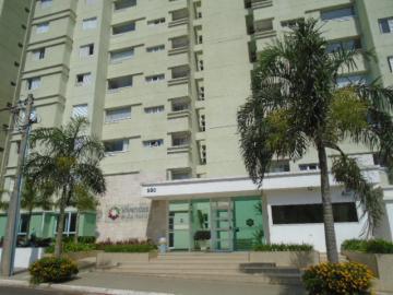 Apartamento / Padrão em Botucatu , Comprar por R$750.000,00