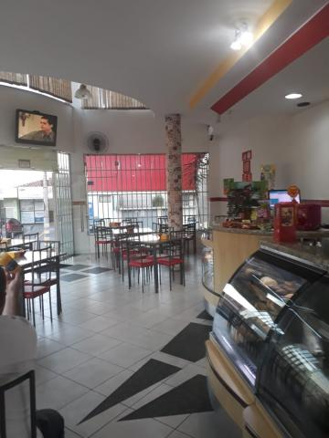 Alugar Comercial / Ponto Comercial em Botucatu. apenas R$ 250.000,00