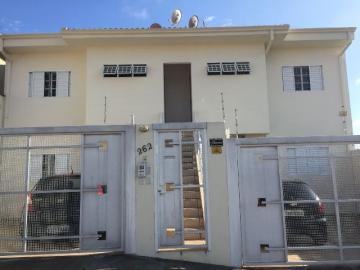 Apartamento / Padrão em Botucatu Alugar por R$800,00