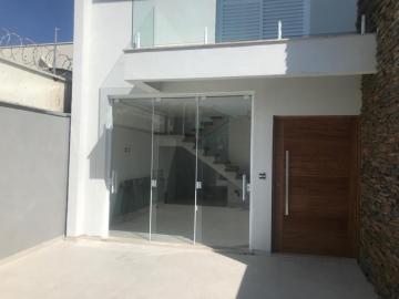 Alugar Casa / Sobrado em Botucatu. apenas R$ 395.000,00