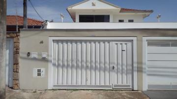 Casa / Padrão em Botucatu Alugar por R$2.000,00