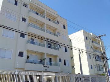 Apartamento / Padrão em Botucatu Alugar por R$1.250,00
