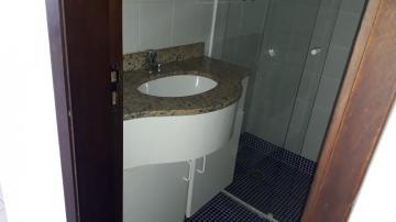 Alugar Apartamento / Padrão em Botucatu R$ 1.500,00 - Foto 17