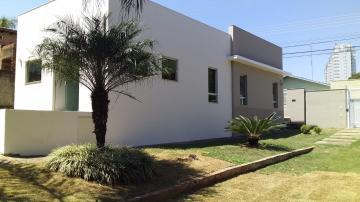 Casa / Padrão em Botucatu Alugar por R$1.700,00