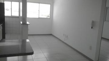 Apartamento / Padrão em Botucatu Alugar por R$840,32