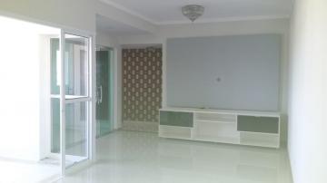 Apartamento / Padrão em Botucatu Alugar por R$2.300,00