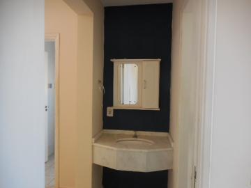 Alugar Apartamento / Padrão em Botucatu R$ 720,00 - Foto 3