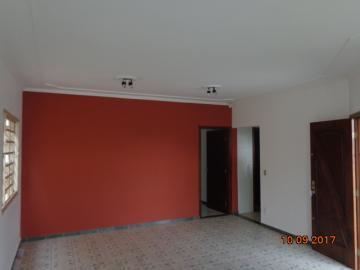 Alugar Casa / Padrão em Botucatu R$ 1.400,00 - Foto 5