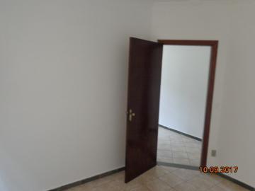 Alugar Casa / Padrão em Botucatu R$ 1.400,00 - Foto 6