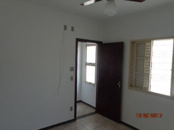 Alugar Casa / Padrão em Botucatu R$ 1.400,00 - Foto 9