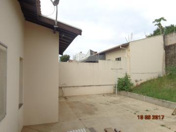 Alugar Casa / Padrão em Botucatu R$ 1.400,00 - Foto 16