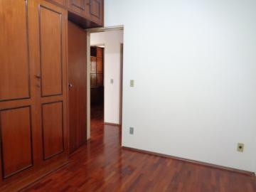 Alugar Apartamento / Padrão em Botucatu R$ 1.300,00 - Foto 15