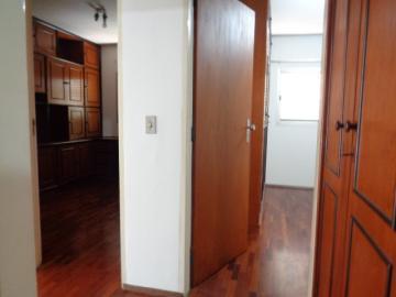 Alugar Apartamento / Padrão em Botucatu R$ 1.300,00 - Foto 16