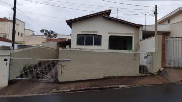 Casa / Padrão em Botucatu Alugar por R$950,00