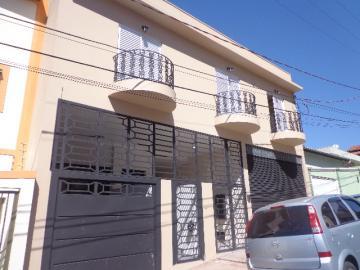 Alugar Apartamento / Padrão em Botucatu. apenas R$ 1.300,00