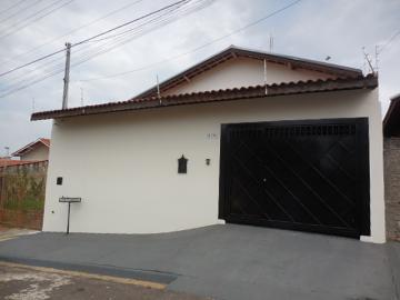 Casa / Padrão em Botucatu Alugar por R$1.150,00