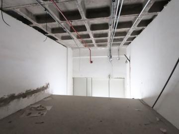 Alugar Comercial / Loja em Botucatu R$ 2.000,00 - Foto 6