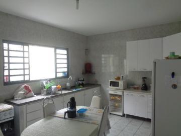 Alugar Casa / Padrão em Botucatu R$ 2.500,00 - Foto 9